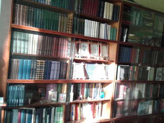 Книжный шкаф со стеклом барнаул.