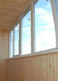 Пластиковые окна, обшивка балкона, цена 9900 руб. - окна и б.
