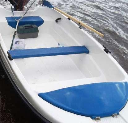 моторная лодка пингвин с тримаранными обводами цены