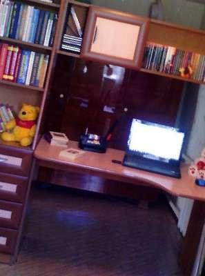 Стол компьютерный с книжным шкафом, цена 7700 руб. - продажа.