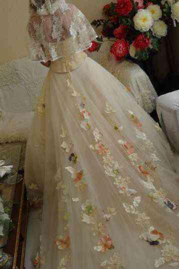Эксклюзивное свадебное платье, б/у в Нальчике, цена 30000 руб ... | 537x358