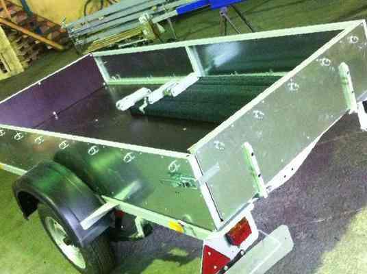 прицепы для перевозки лодок до 750 кг
